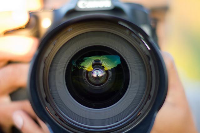 lensa terbaik untuk foto landscape