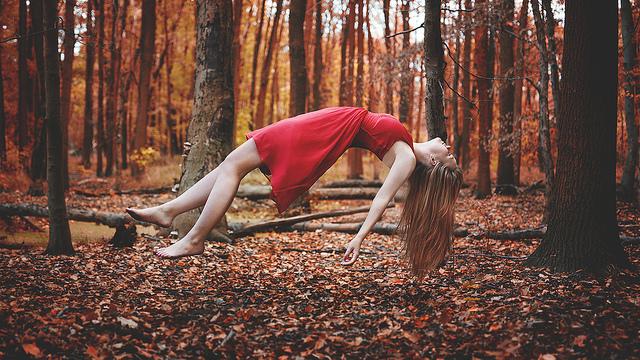 Tips dan teknik cara foto dan edit levitasi yang unik