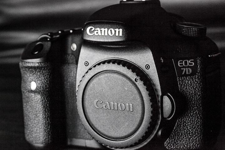 Canon EOS 7D vs Kamera Digital Lainnya