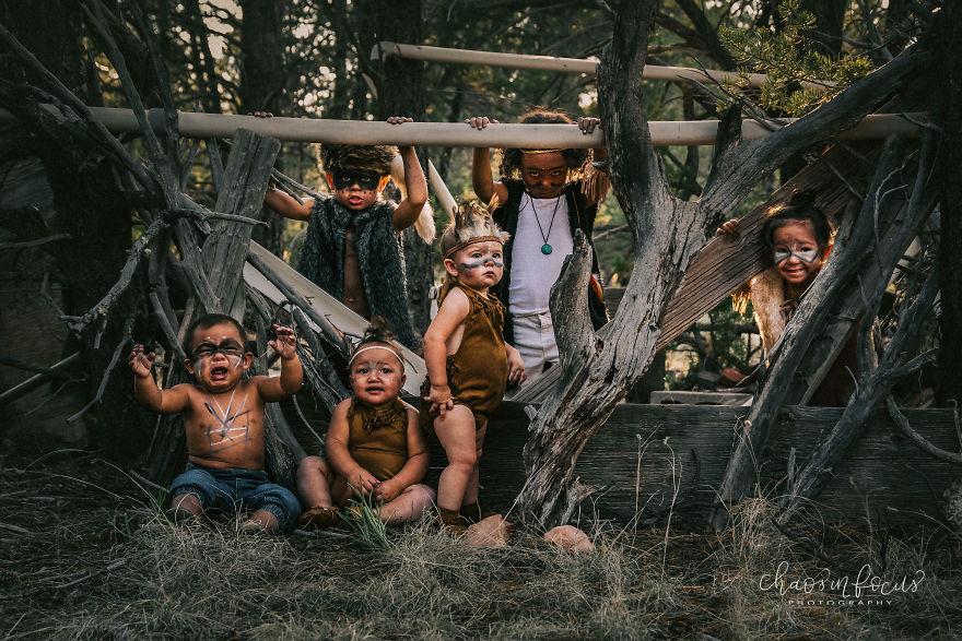 Kumpulan Gambar Unik Anak Kecil yang Tersesat di Tengah Hutan